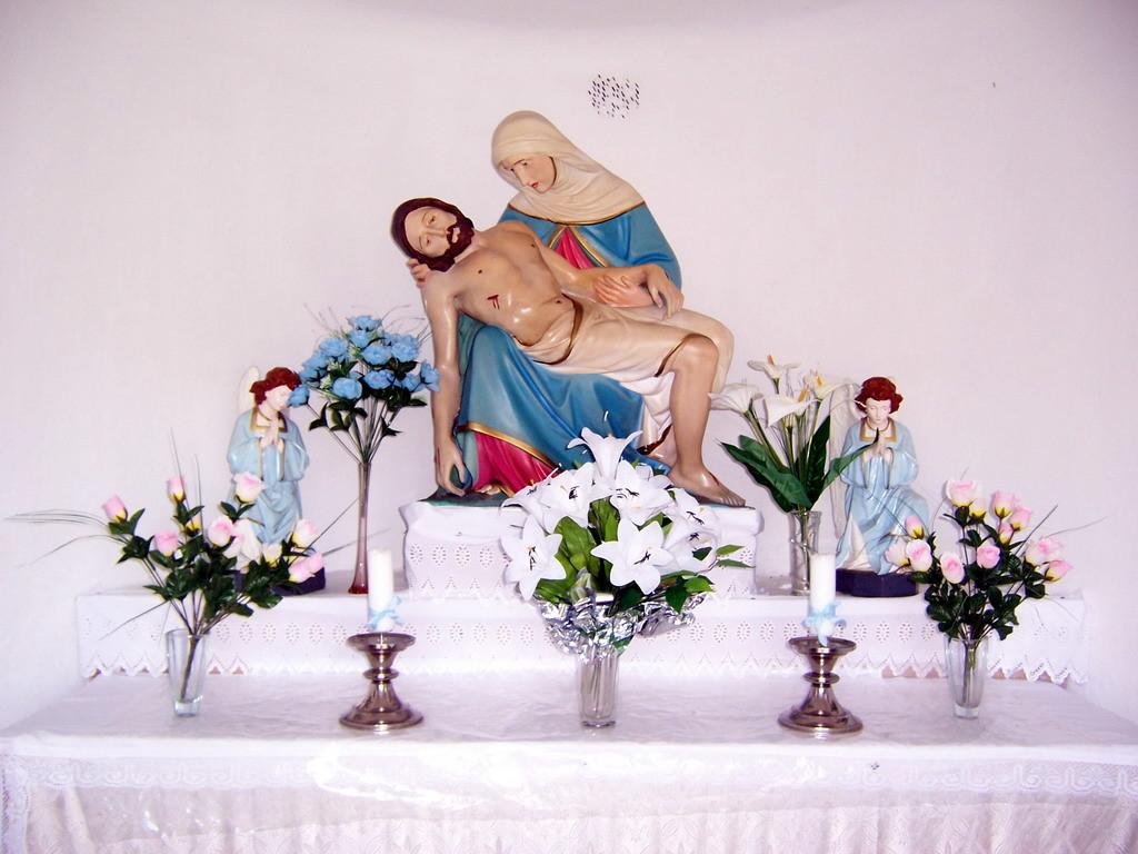 Vnútrajšok kaplnky vo Visolajoch